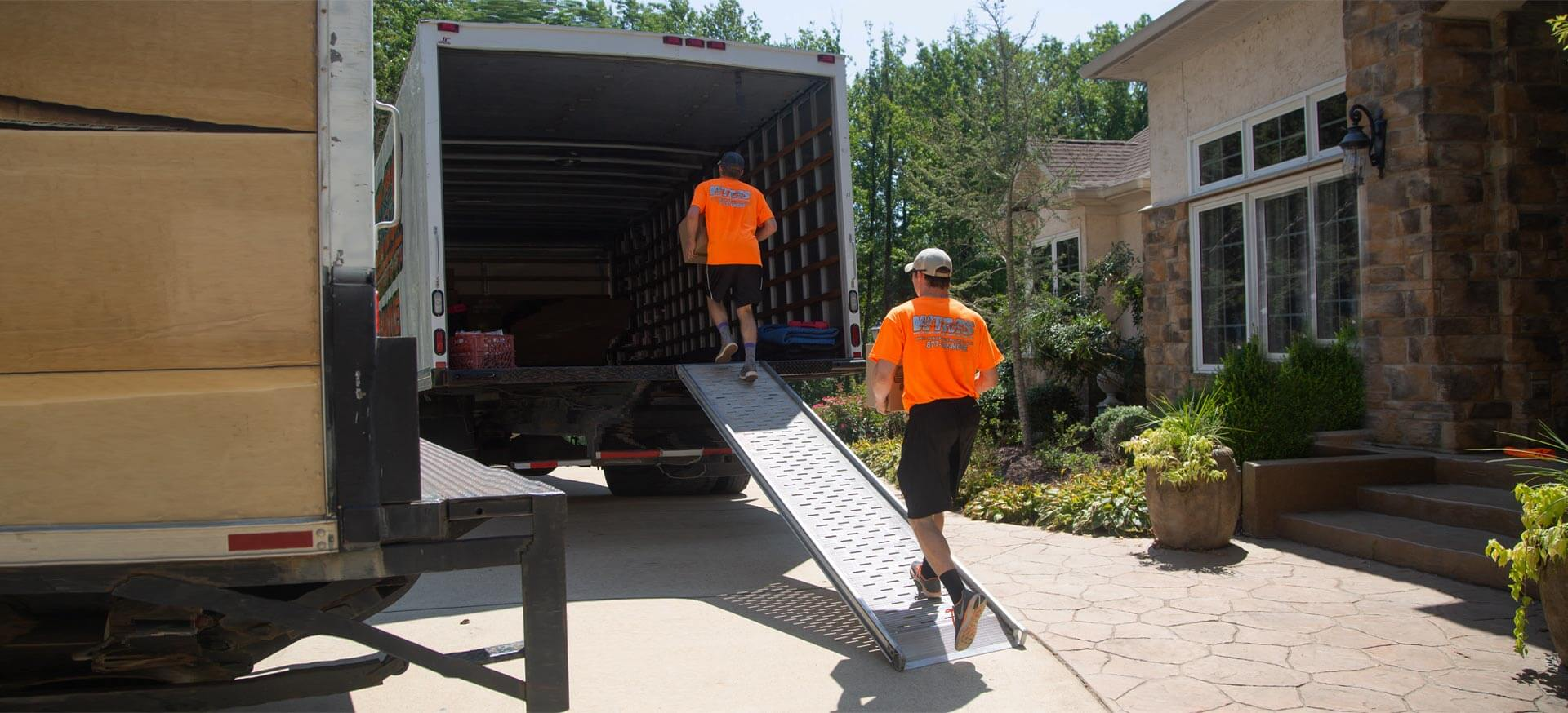 West Tennessee Movers - Family Moving